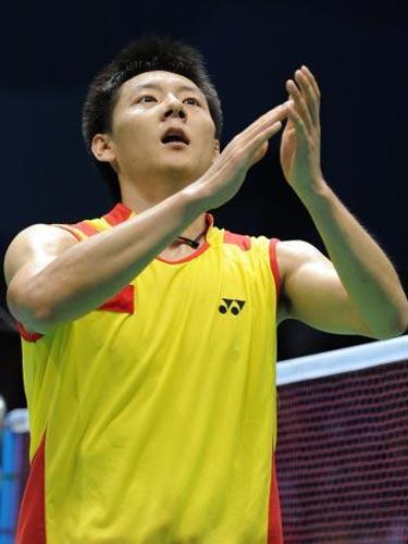 图文:羽毛球男单陈金获得铜牌 感谢观众