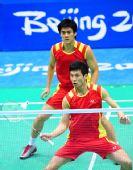 图文:男子双打中国憾失金牌 两人配合默契