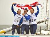图文:奥运女子英凌级英国夺冠 英国选手很开心