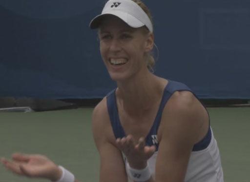 图文:[夺金时刻]德门蒂耶娃网球女子单打夺冠
