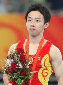 图文:男子自由体操小将邹凯夺冠 勇夺花魁