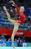 图文:奥运女子自由体操决赛 柳金享受比赛