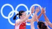图文:中国女排3-0日本 击掌庆祝