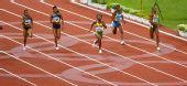 图文:牙买加选手夺100米金牌 在比赛的中段部分