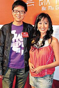 朱茵接受香港无线《志云饭局》节目访问,谈及一段入行后长达3年半的恋情。