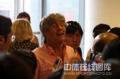 图文:刘翔退赛发布会 米卢现身关注飞人伤情