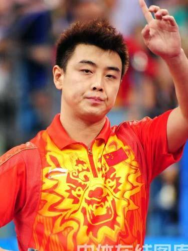图文:乒乓球男团决赛中国对决德国 谨慎镇定
