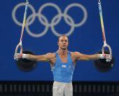 图文:体操―男子吊环决赛赛况 安德烈亚在比赛