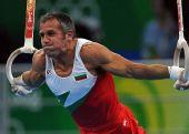 图文:体操―男子吊环决赛赛况 铁臂金刚
