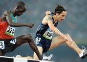 图文:田径男子3000米障碍决赛 你跳我也跳