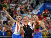 图文:波兰选手夺得男子跳马冠军 荣誉属于我们