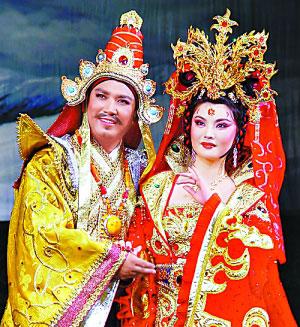 图为邓敏饰演的文成公主和班典旺久饰演的松赞干布。