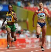 图文:奥运女子200米预赛赛况 牙买加的坎贝尔