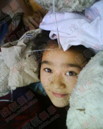 唐沁曾在地震中展露出最美丽的微笑