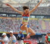 图文:女子跳远及格赛赛况 展翅翱翔在鸟巢