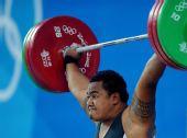 图文:男举105公斤以上级小组赛 佩拉在比赛中