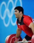 图文:男举105公斤以上级小组赛 谢里菲比赛中
