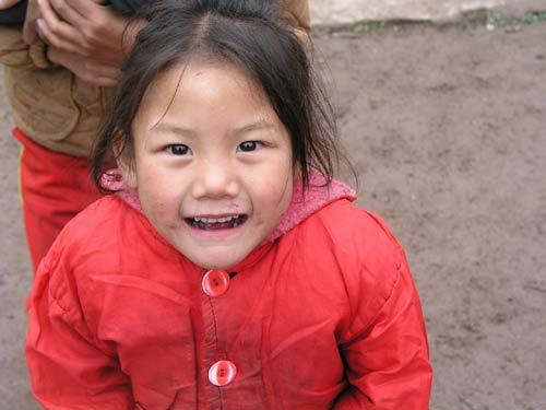 红衣服的小女孩
