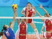 图文:女排1/4决赛中国vs俄罗斯 防守严密
