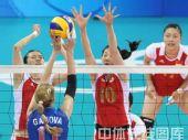 图文:女排1/4决赛中国完胜俄罗斯 严防死守