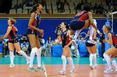 图文:女排/4决赛美国胜意大利 队员在高呼叫