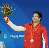 图文:男子3米跳板颁奖 德斯帕蒂在颁奖仪式上