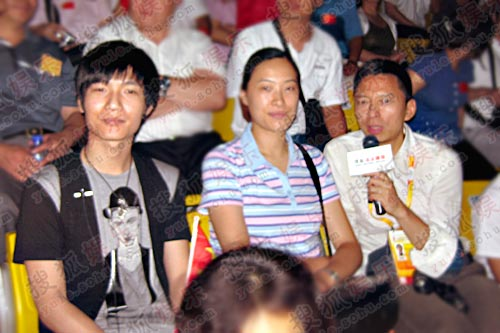 张朝阳,陈楚生,一起观看比赛