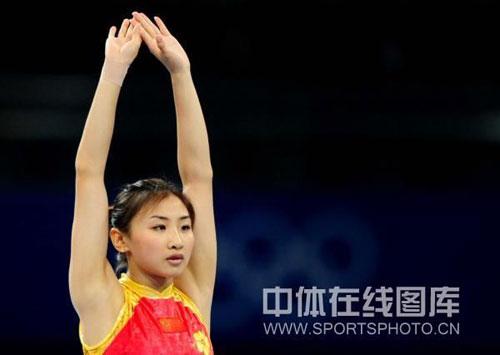 奥运冠军何雯娜