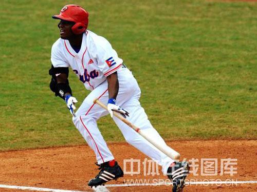 图文:奥运会男子棒球赛中国不敌古巴 古巴队