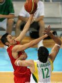 图文:男篮1/4决赛中国vs立陶宛  激战正酣