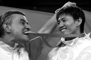 中国击剑队男、女佩剑总教练克里斯蒂安·鲍埃尔