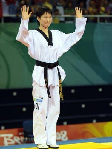 图文:跆拳道49公斤级吴静钰夺金 可爱的姑娘