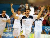 图文:阿根廷男篮挺进四强 欢呼胜利十分高兴