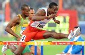 图文:男子110米栏罗伯斯挺进决赛 漂亮的跨栏