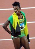 图文:女子400米栏牙买加选手夺金 异常激动
