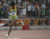 图文:女子400米栏牙买加选手夺金 在冲刺瞬间