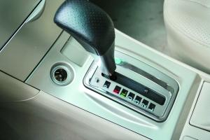 F3R自动版的变速箱表现完善。
