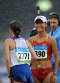 图文:女子20公里竞走刘虹第四 刘虹微笑