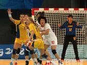 图文:女手排名赛中国胜瑞典 双方激战正酣