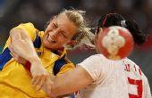 图文:[女手]中国20-19瑞典 托韦比射门