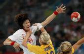 图文:[女手]中国20-19瑞典 进攻受阻