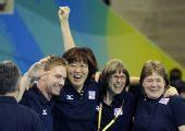 图文:女排半决赛美国VS古巴 郎平庆祝胜利