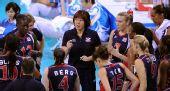 图文:女排半决赛美国胜古巴 郎平布置战术