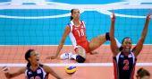 图文:女排半决赛美国VS古巴 巴洛斯失误
