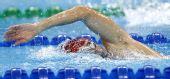 图文:现代五项男子200米游泳赛况 水中翻腾