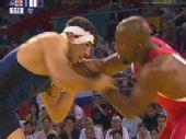 图文:男子自由式96公斤级 戈格舍利泽比赛中