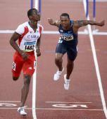 图文:男子110米栏罗伯斯夺冠 冲过终点