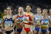图文:女子1500米刘青无缘决赛 在国家体育场