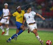 图文:女足美国队夺冠 美国队球员卡莉・劳埃德