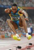 图文:男子三级跳远决赛赛况 巴哈马选手利万